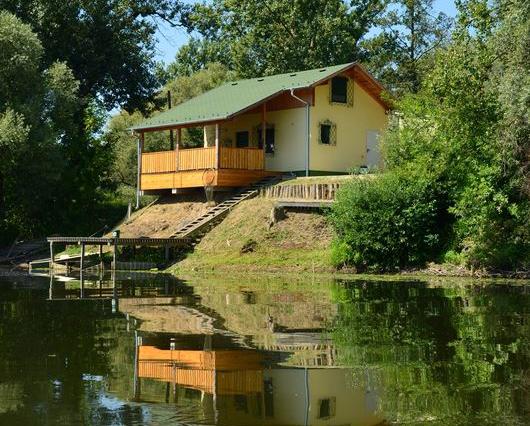 Mura Carp Lakes Haus M2 2016